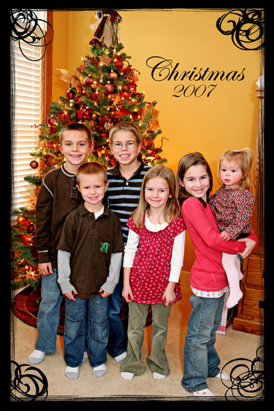 Small_kids_and_tree_frame